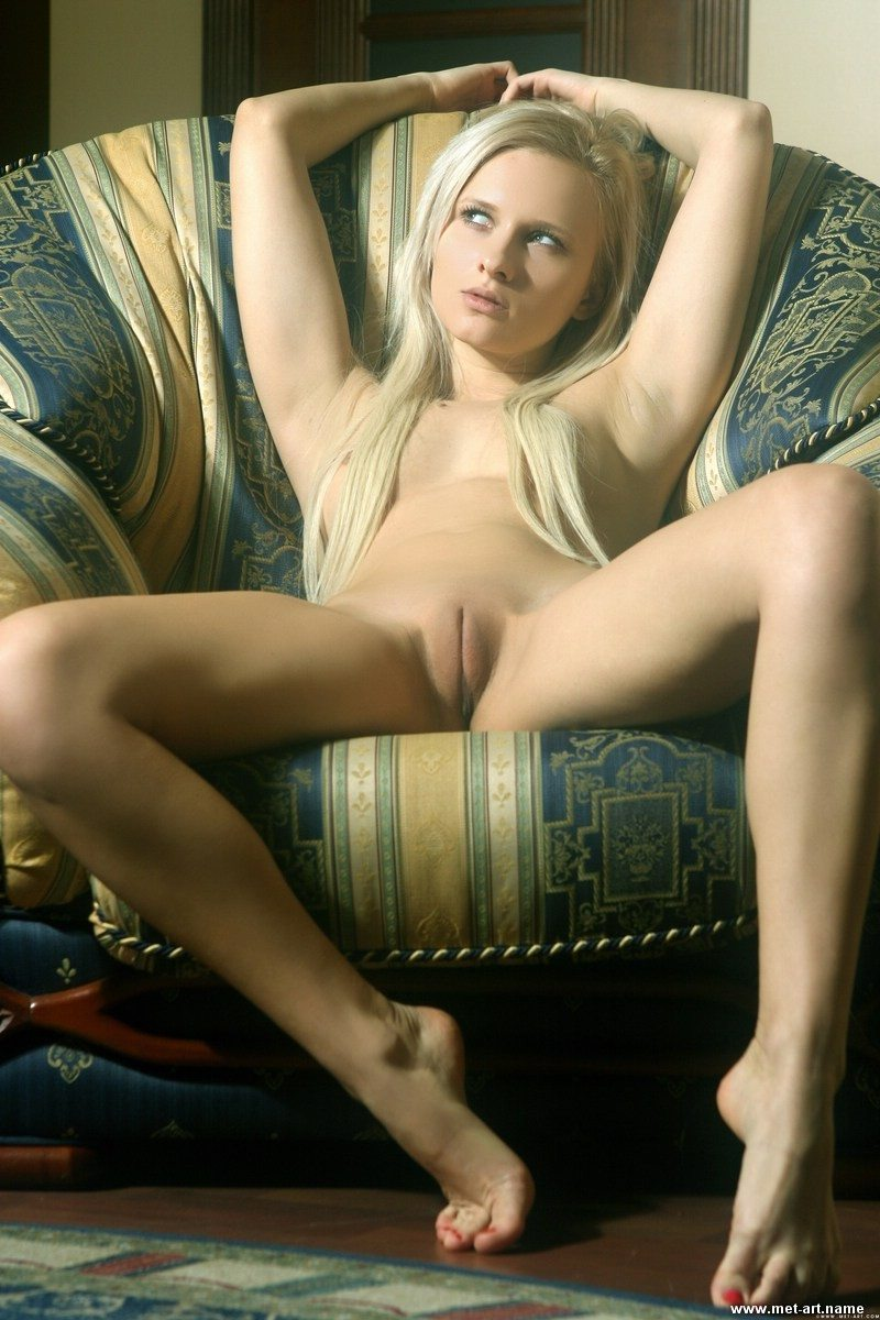 Picture tagged with: Blonde, MET Art, Pussy