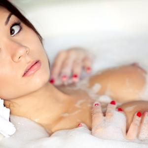 Picture tagged with: Asian, Bath
