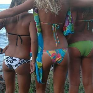 Picture tagged with: Bikini