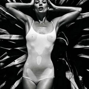 Picture tagged with: Black and White, Kate Moss