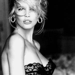 Picture tagged with: Blonde, Black and White, Claudia Schiffer