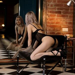 Picture tagged with: Blonde, Eva Elfie, Lingerie, Nubile Films