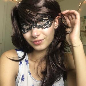 Picture tagged with: Brunette, Bambii Bonsai, Camgirl, Chaturbate, nood.tv