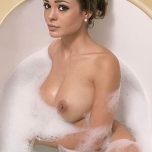 Picture tagged with: Brunette, Bath