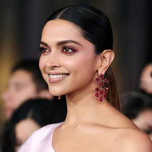 Picture tagged with: Brunette, Celebrity - Star, Deepika Padukone, Face, Safe for work, Smiling