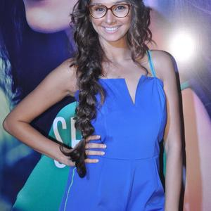 Picture tagged with: Brunette, Celebrity - Star, Deepika Padukone, Safe for work, Smiling