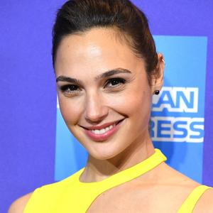 Picture tagged with: Brunette, Celebrity - Star, Face, Gal Gadot, Safe for work, Smiling