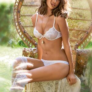 Picture tagged with: Brunette, Celebrity - Star, Irina Shayk, Lingerie