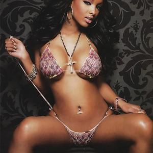 Picture tagged with: Brunette, Celebrity - Star, LoLa Monroe - Angel Melaku, Piercing