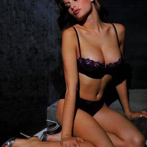 Picture tagged with: Brunette, Laetitia Casta, Lingerie