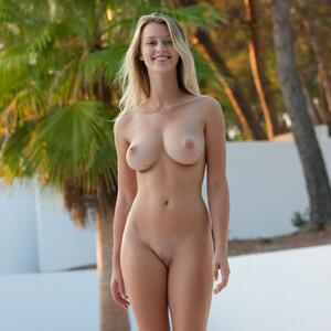 Picture tagged with: Femjoy, Busty, Blonde, Boobs, Carisha
