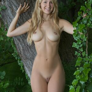 Picture tagged with: Femjoy, Busty, Blonde, Corinna, Elve