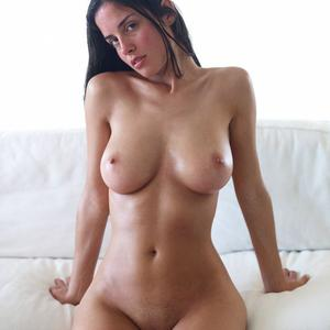 Picture tagged with: Hegre Art, Busty, Brunette, Muriel, White Serene