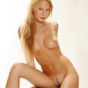 Picture tagged with: MET Art, Blonde, Giallo, Sonya C