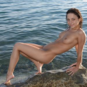 Picture tagged with: MET Art, Brunette, Foncara, Foxy Di - Nensi B, Nature