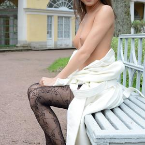 Picture tagged with: MET Art, Brunette, Foxy Di - Nensi B, Mirtila