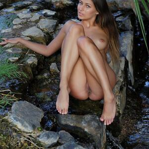Picture tagged with: MET Art, Brunette, Nature, Qathyle, Yarina A
