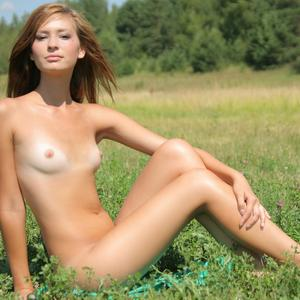 Picture tagged with: MET Art, Michelle - Irina Jankovic, Presenting Irina, Small Tits