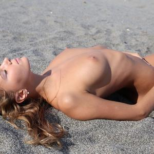 Picture tagged with: MET Art, Skinny, Blonde, Beach, Katya Clover - Mango A, Ritoua