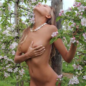 Picture tagged with: MET Art, Skinny, Blonde, Katya Clover - Mango A, L'innesto, Nature