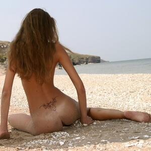 Picture tagged with: MET Art, Skinny, Brunette, Alena I, Beach, Solare, Tattoo