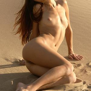 Picture tagged with: MET Art, Skinny, Brunette, Ass - Butt, Beach, Flat chested, Small Tits, Tummy