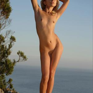 Picture tagged with: MPL Studios, Skinny, Blonde, Flat chested, Nature, Small Tits