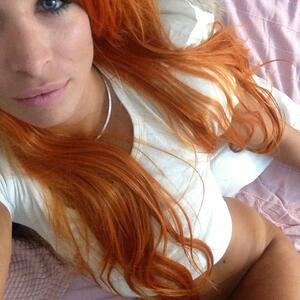 Picture tagged with: Redhead, Camgirl, Chaturbate, Jana Volkova