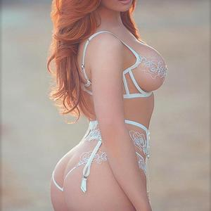Picture tagged with: Redhead, Lingerie