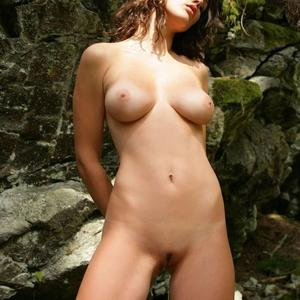 Picture tagged with: Skinny, Brunette, Boobs, Nature, Pussy