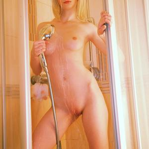Picture tagged with: Watch4Beauty, Skinny, Blonde, Shower