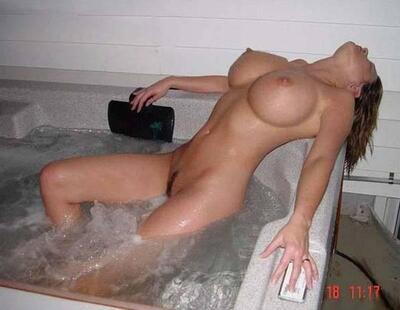 Picture tagged with: Bath, Boobs