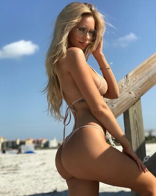 Picture tagged with: Blonde, Amanda Taylor, Ass - Butt, Bikini