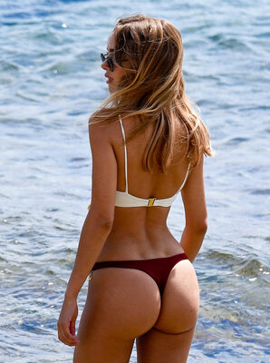 Picture tagged with: Blonde, Kimberley Garner, Ass - Butt, Bikini, Celebrity - Star