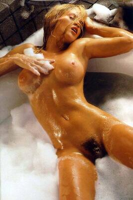 Picture tagged with: Blonde, Jenny McCarthy, Bath, Boobs, Celebrity - Star, Hairy, Tummy