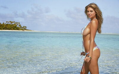Picture tagged with: Blonde, Beach, Kate Upton