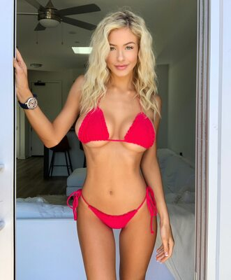 Picture tagged with: Blonde, Hannah Palmer, Bikini, Tummy
