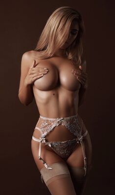 Picture tagged with: Blonde, Polina Aura - Polina Sitnova, Boobs, Lingerie