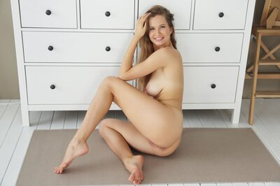 Picture tagged with: Blonde, Camgirl, Stella Cardo, Boobs, Smiling
