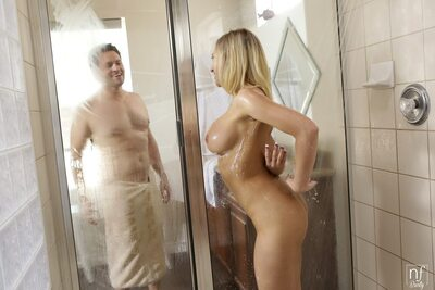 Picture tagged with: Blonde, Kagney Linn Karter, Shower