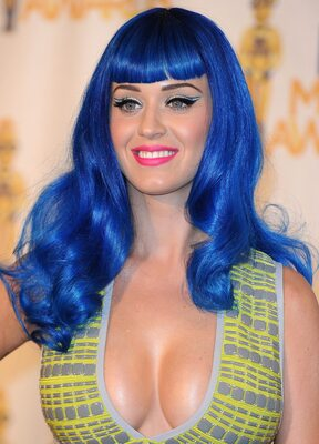 Picture tagged with: Katy Perry, Boobs, Celebrity - Star, Hair