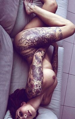 Picture tagged with: Brunette, Art, Tattoo