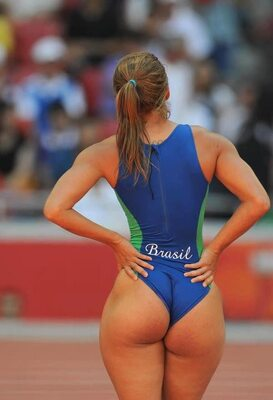 Picture tagged with: Brunette, Ass - Butt, Sport