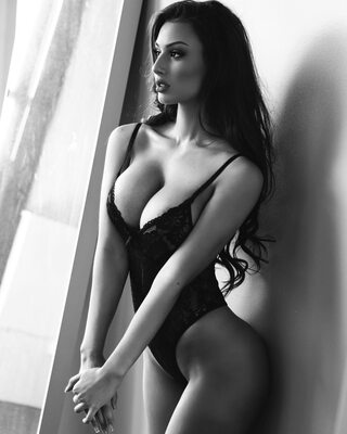 Picture tagged with: Brunette, Bianca Kmiec, Black and White, Lingerie