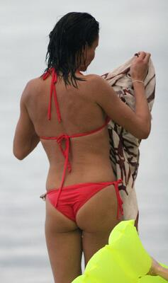 Picture tagged with: Brunette, Cameron Diaz, Bikini, Celebrity - Star