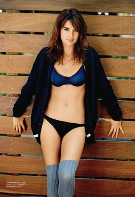 Picture tagged with: Brunette, Celebrity - Star, Cobie Smulders - Robin Sparkles, Lingerie, Tummy