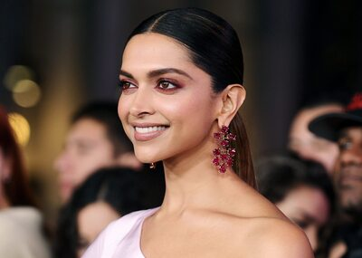 Picture tagged with: Brunette, Deepika Padukone, Celebrity - Star, Face, Safe for work, Smiling