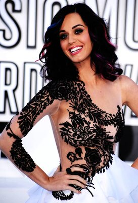 Picture tagged with: Brunette, Celebrity - Star, Katy Perry