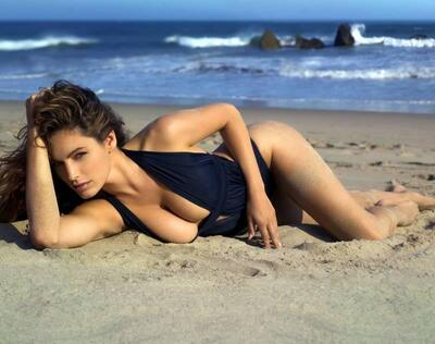 Picture tagged with: Brunette, Celebrity - Star, Kelly Brook