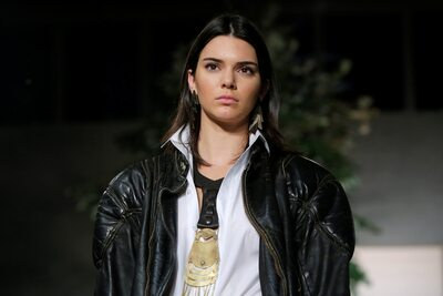 Picture tagged with: Brunette, Kendall Jenner, Celebrity - Star, Safe for work